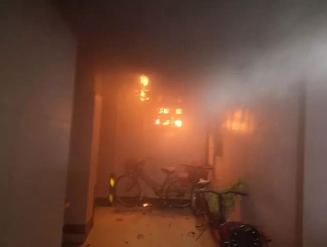 夏季来临 当心电表箱成为火灾隐患